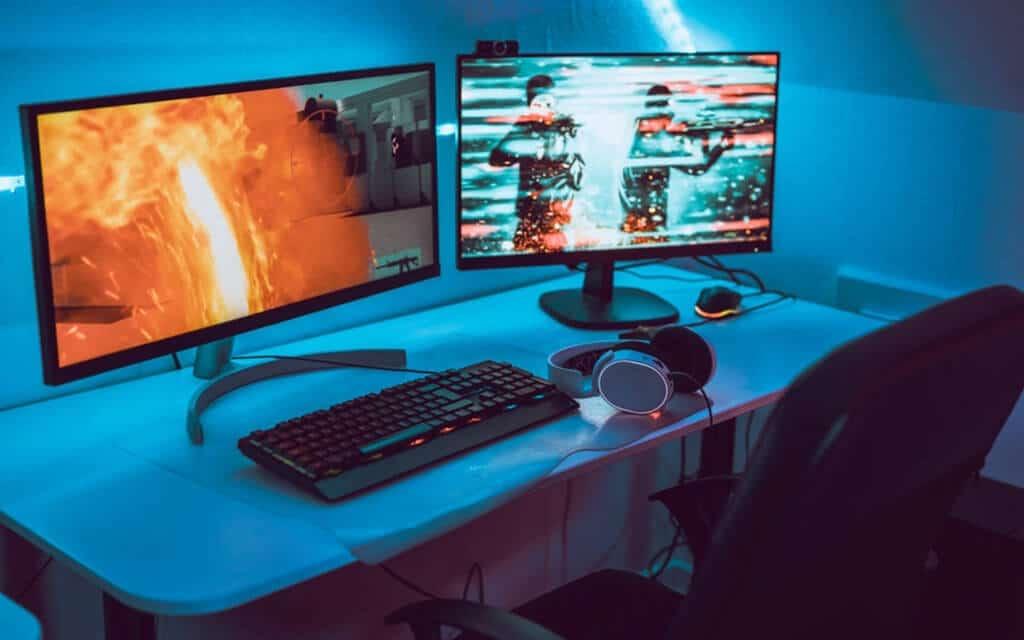 Gaming desktop with dual monitor